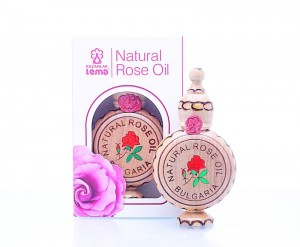Natural Bulgarian rose oil in a wooden souvenier Lema 1,0 ml.
